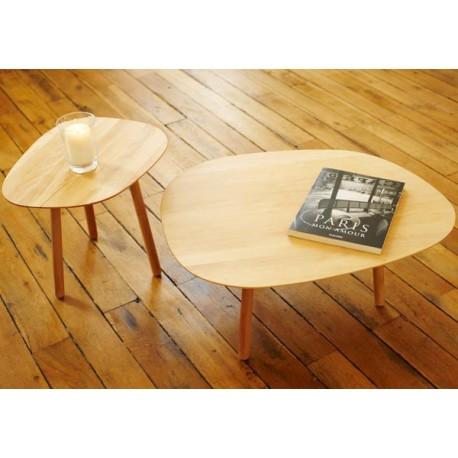 Table basse 3 pieds en bois massif par reine m re for Table basse trois pieds