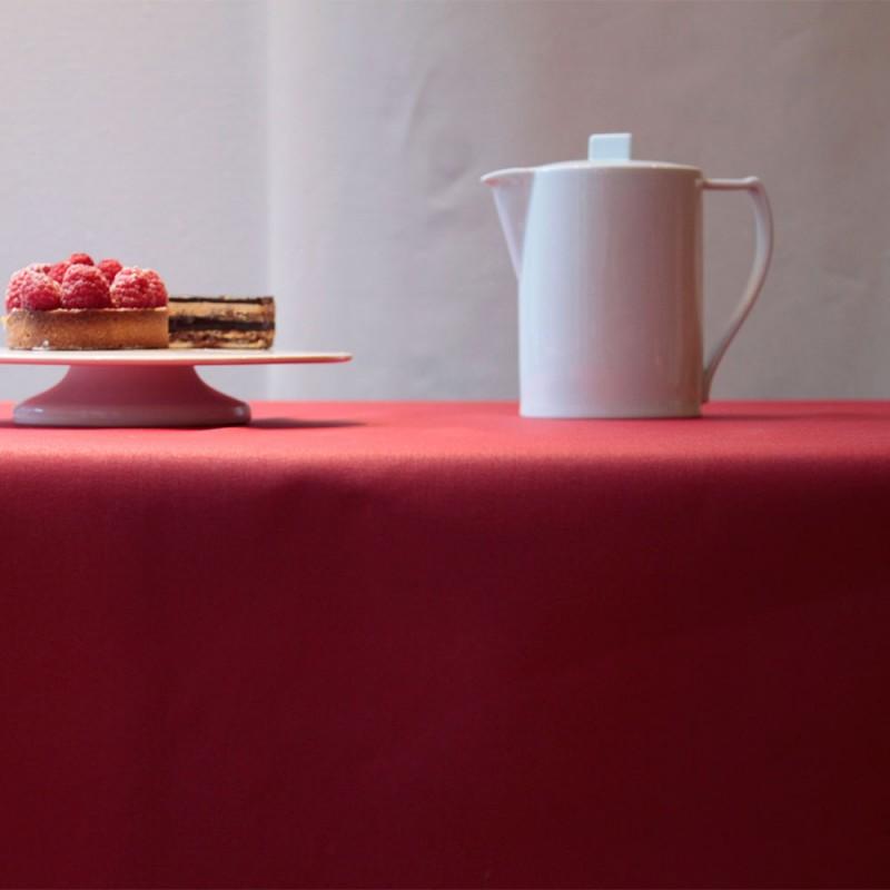 nappe enduite rouge unie par fleur de soleil nappe en coton enduit bio fleur de soleil. Black Bedroom Furniture Sets. Home Design Ideas