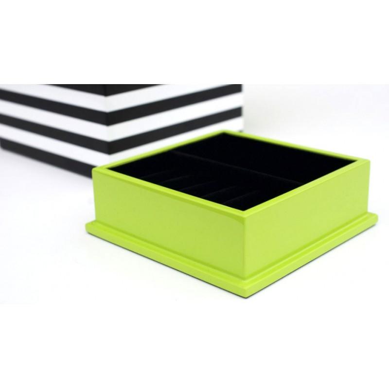 boite bijoux en bois laqu cube par remember. Black Bedroom Furniture Sets. Home Design Ideas