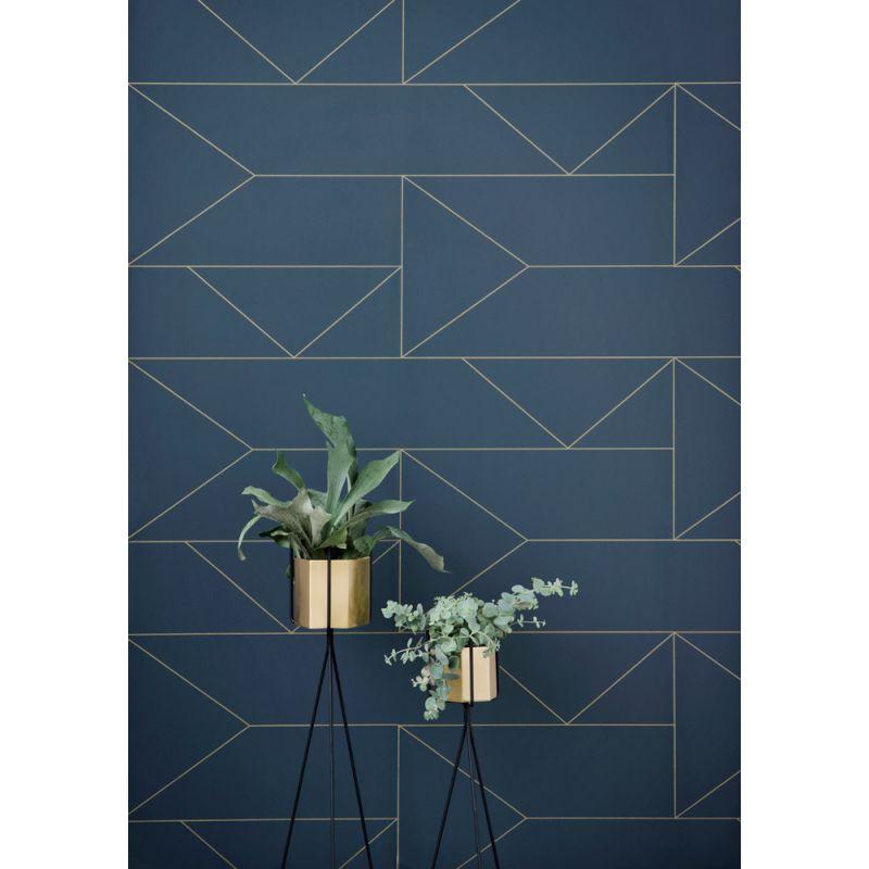 Papier peint Ferm Living Lines - papier peint bleu foncé et doré