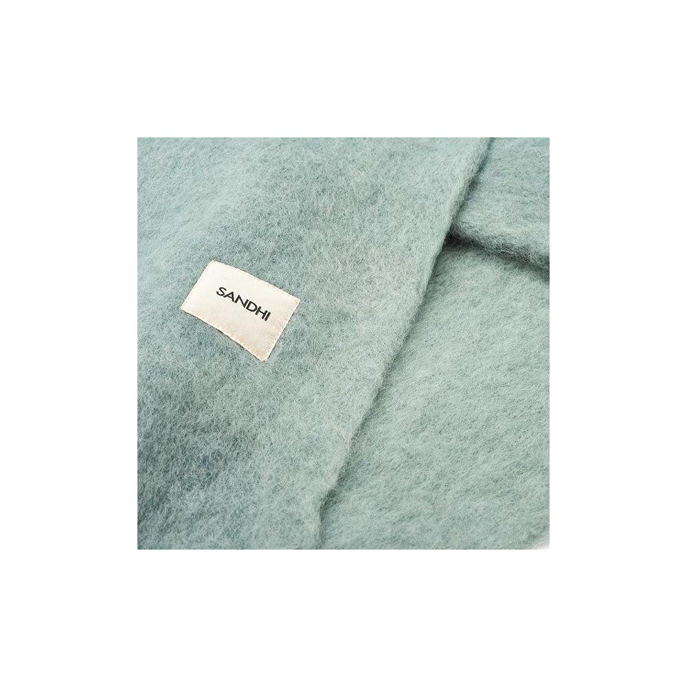 plaid pour canap des plaids doux au toucher en polaire. Black Bedroom Furniture Sets. Home Design Ideas