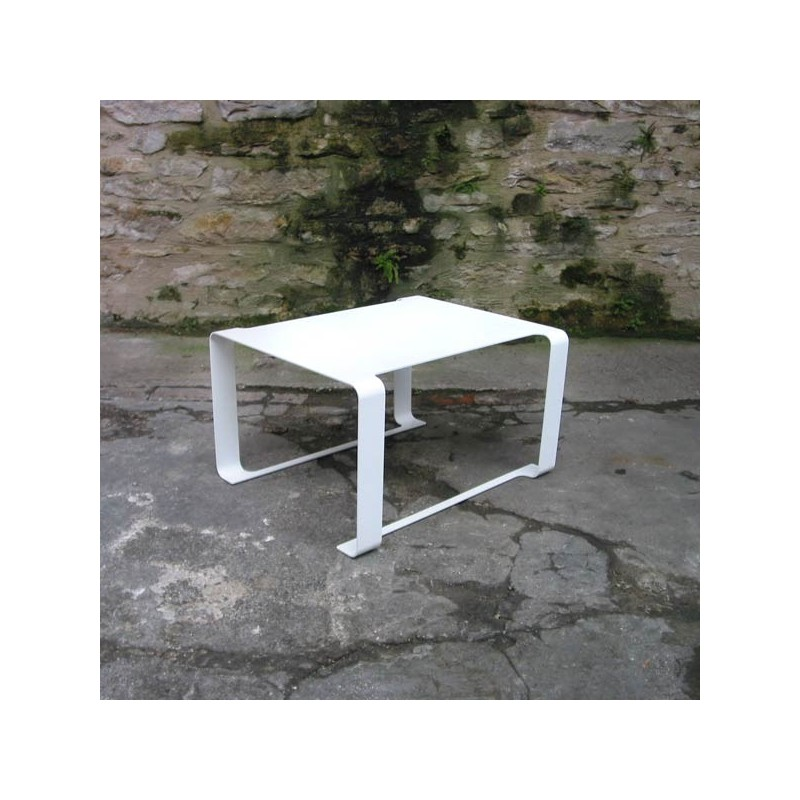 Table Basse Rectangulaire Blanche En Métal De Design Français Par