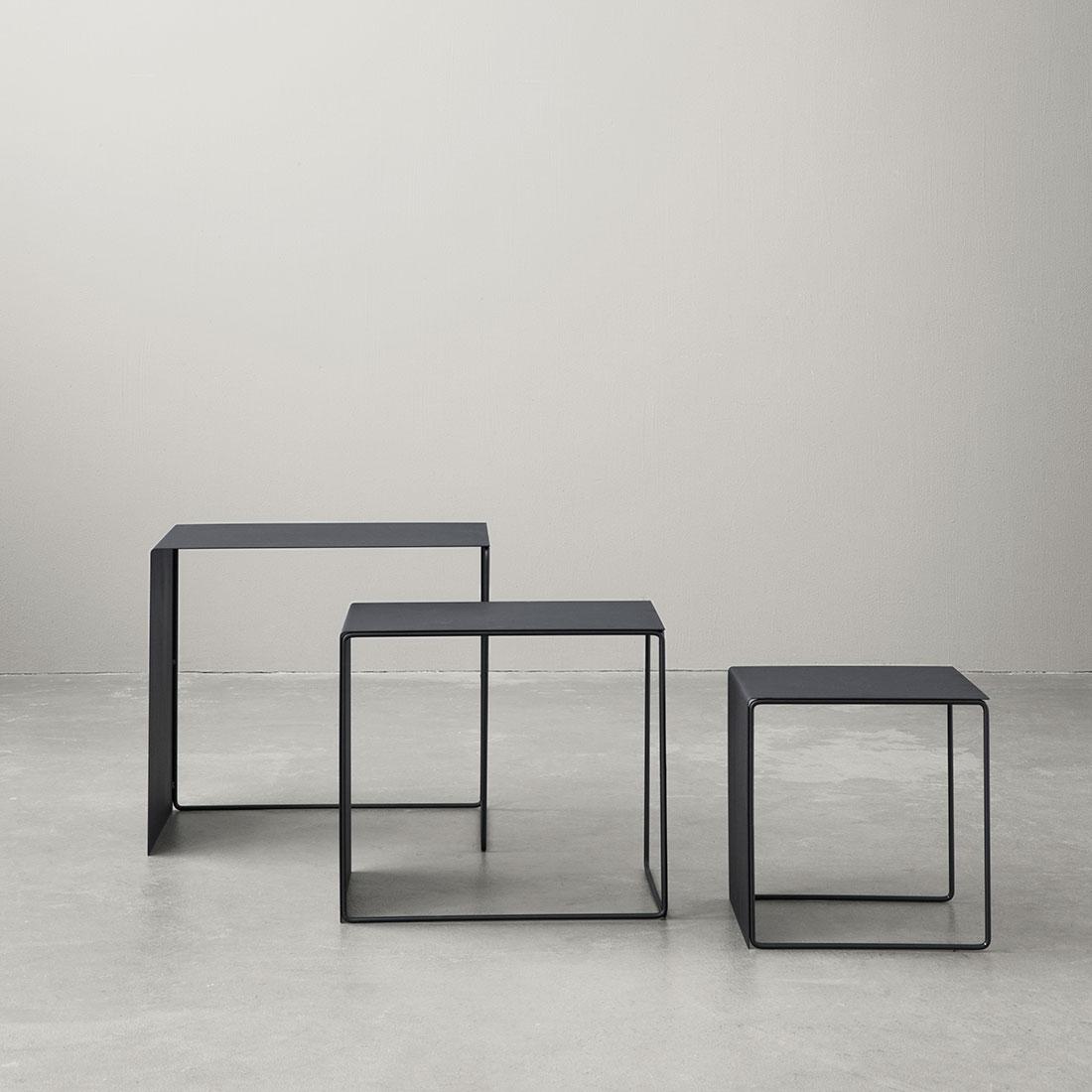 e0c199c09e2219 Tables gigognes   Tables basses en métal en métal Cluster par Ferm Living