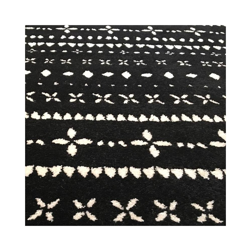 tapis berb re noir et blanc edito collection ceramik pure deco. Black Bedroom Furniture Sets. Home Design Ideas