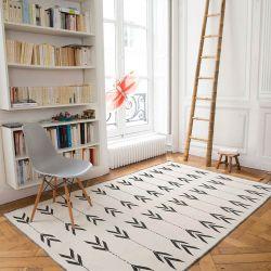 Tapis Edito : Tapis en laine blanc et noir Apache chez Pure Deco